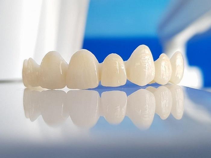 cách nhận biết răng sứ zirconia