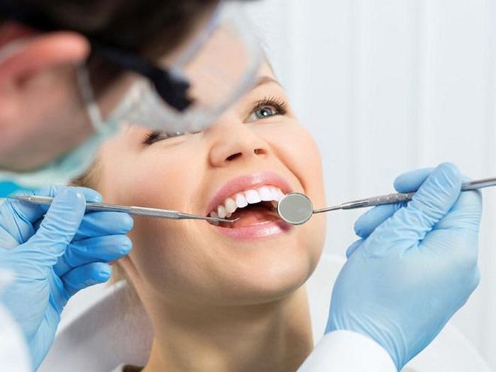 làm răng sứ bị hỏng