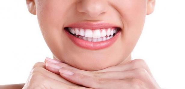 làm răng sứ đẹp tự nhiên