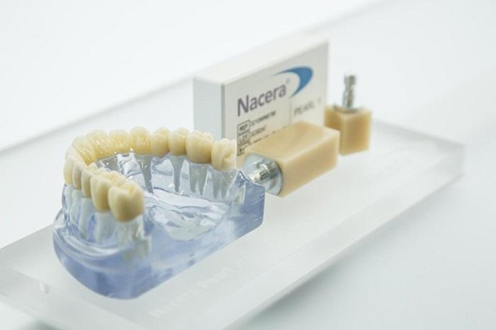 răng sứ nacera có tốt không