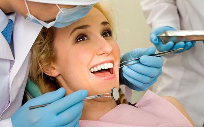 trồng răng giả được bao lâu