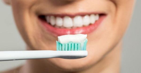 trồng răng sứ cercon giá bao nhiêu