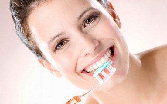 trồng răng sứ có tháo ra được không