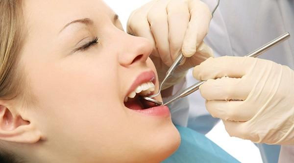 bao nhiêu tuổi thì trồng răng Implant được