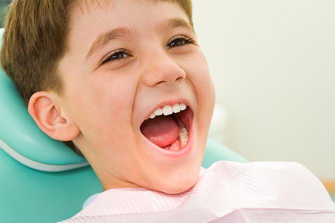 dụng cụ niềng răng cho trẻ
