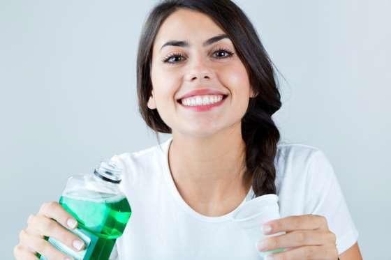 trồng răng Implant kiêng ăn gì