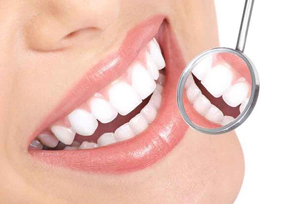 bọc răng sứ bị đen nướu