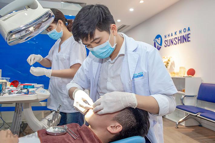 bọc răng sứ phần chân răng bị hở